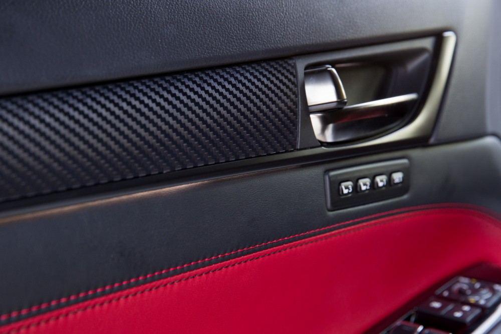 2016-Lexus-GS-F-45