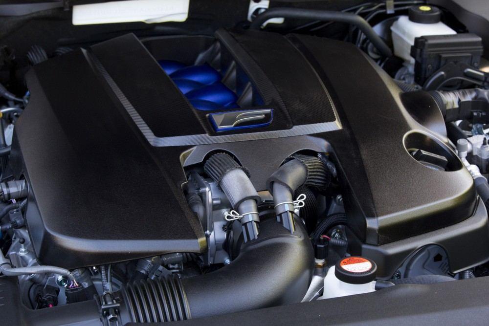 2016-Lexus-GS-F-49