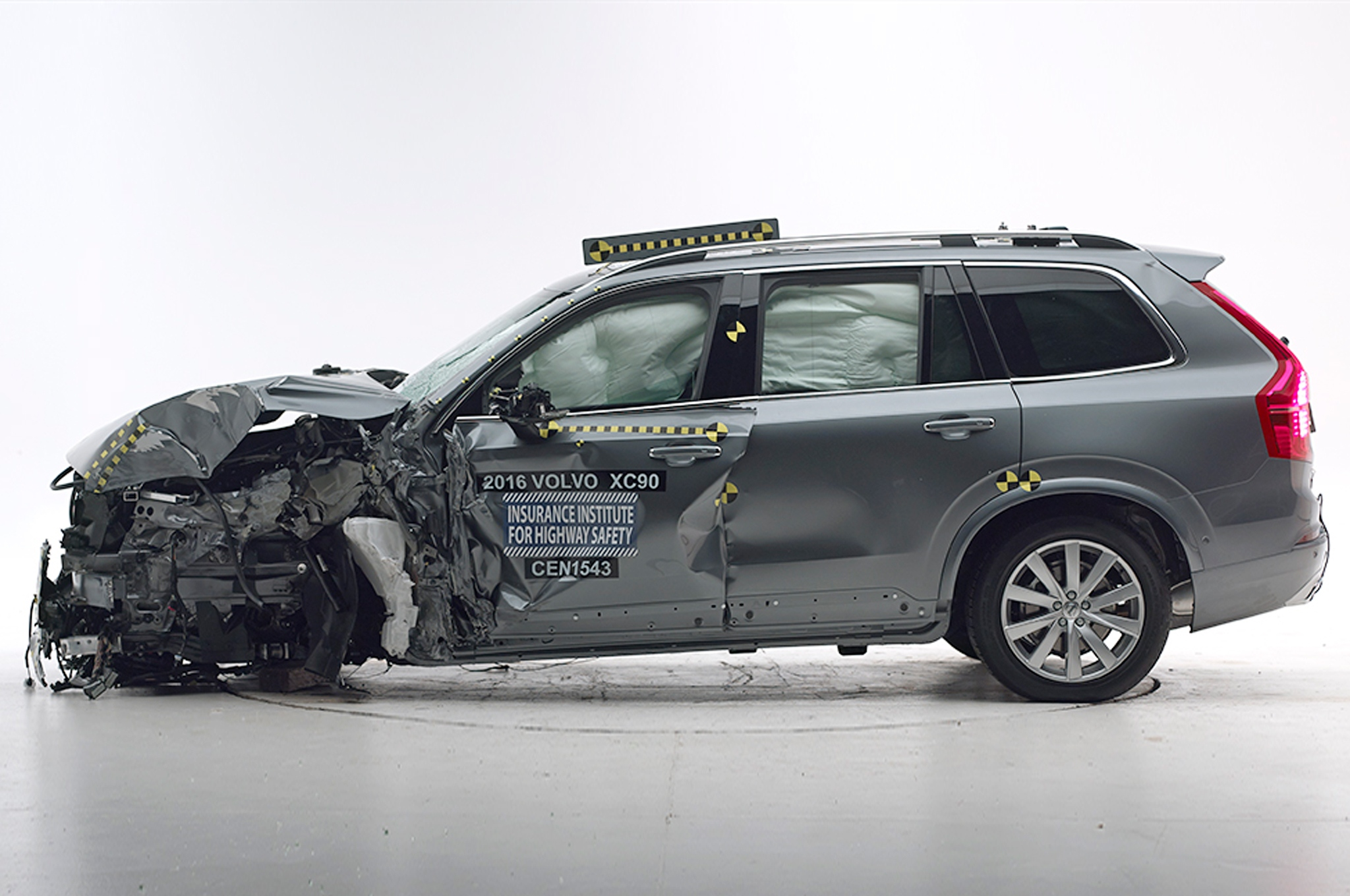 2016-volvo-xc90-iihs-crash-test-side-crash-profile