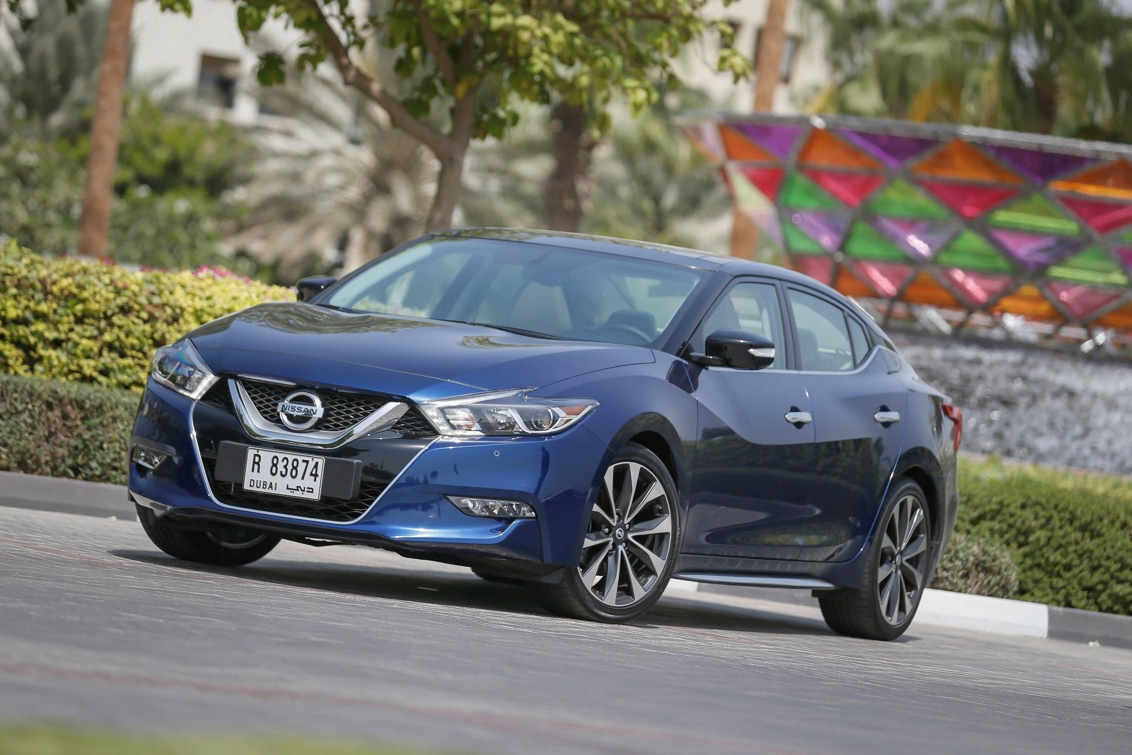 All-New Nissan Maxima 2016 Set To Reinvent Segment - Blue (1)