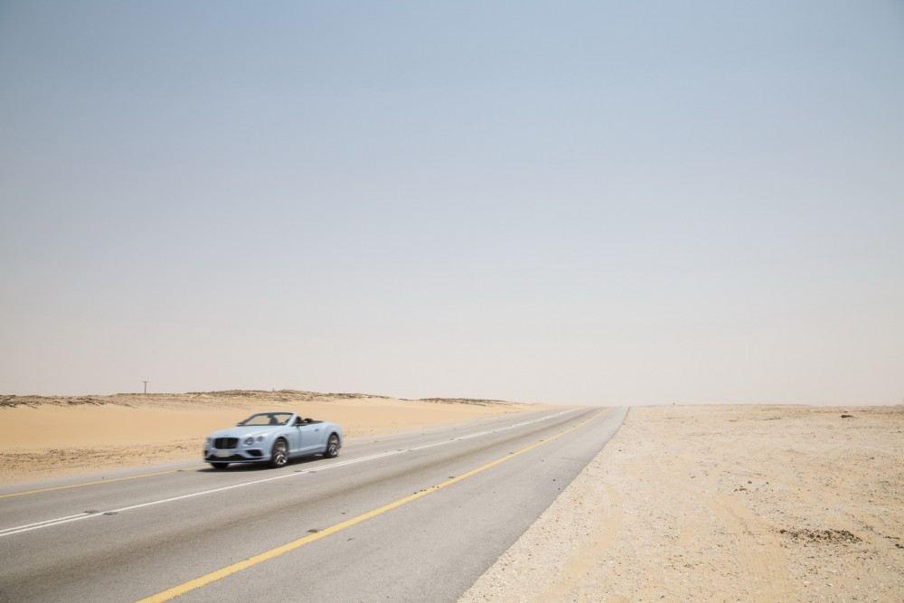 Bentley-Continental-GT-V8-S-Convertible-races-train-5