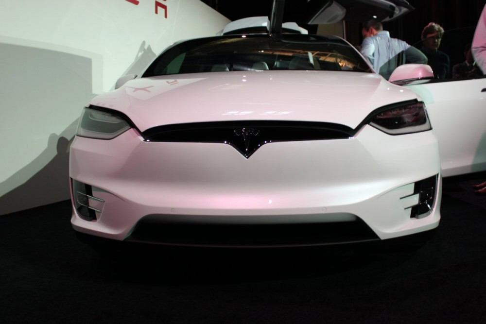 its-teslas-first-entry-into-the-fast-growing-luxury-suv-market