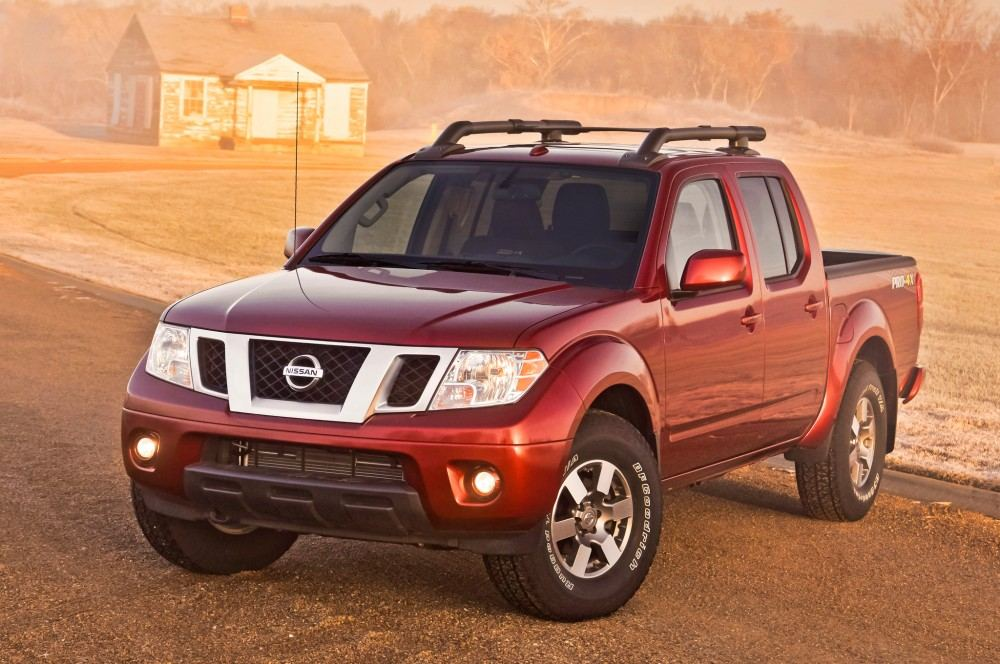 2014-nissan-frontier-pro4x-front-angle