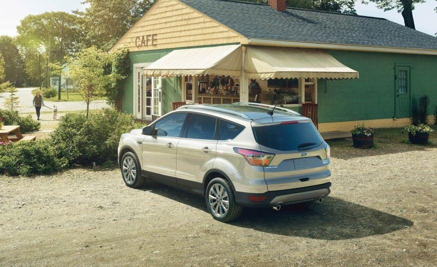 2017-Ford-Escape-Titanium-107-876x535
