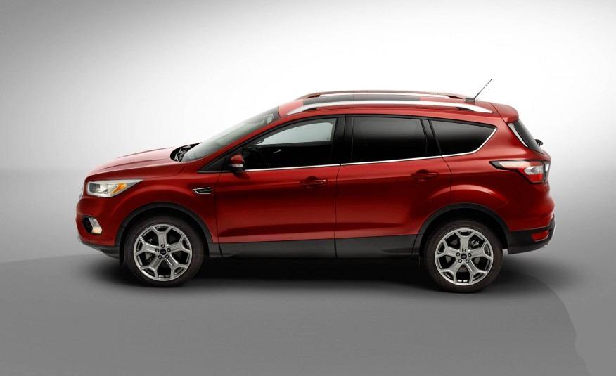 2017-Ford-Escape-Titanium-110-876x535