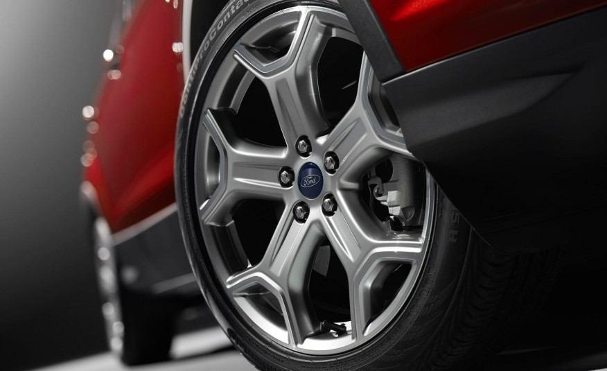 2017-Ford-Escape-Titanium-112-876x535