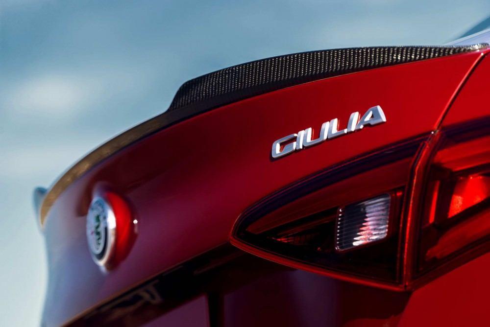 ALFA-ROMEO-GIULIA-45