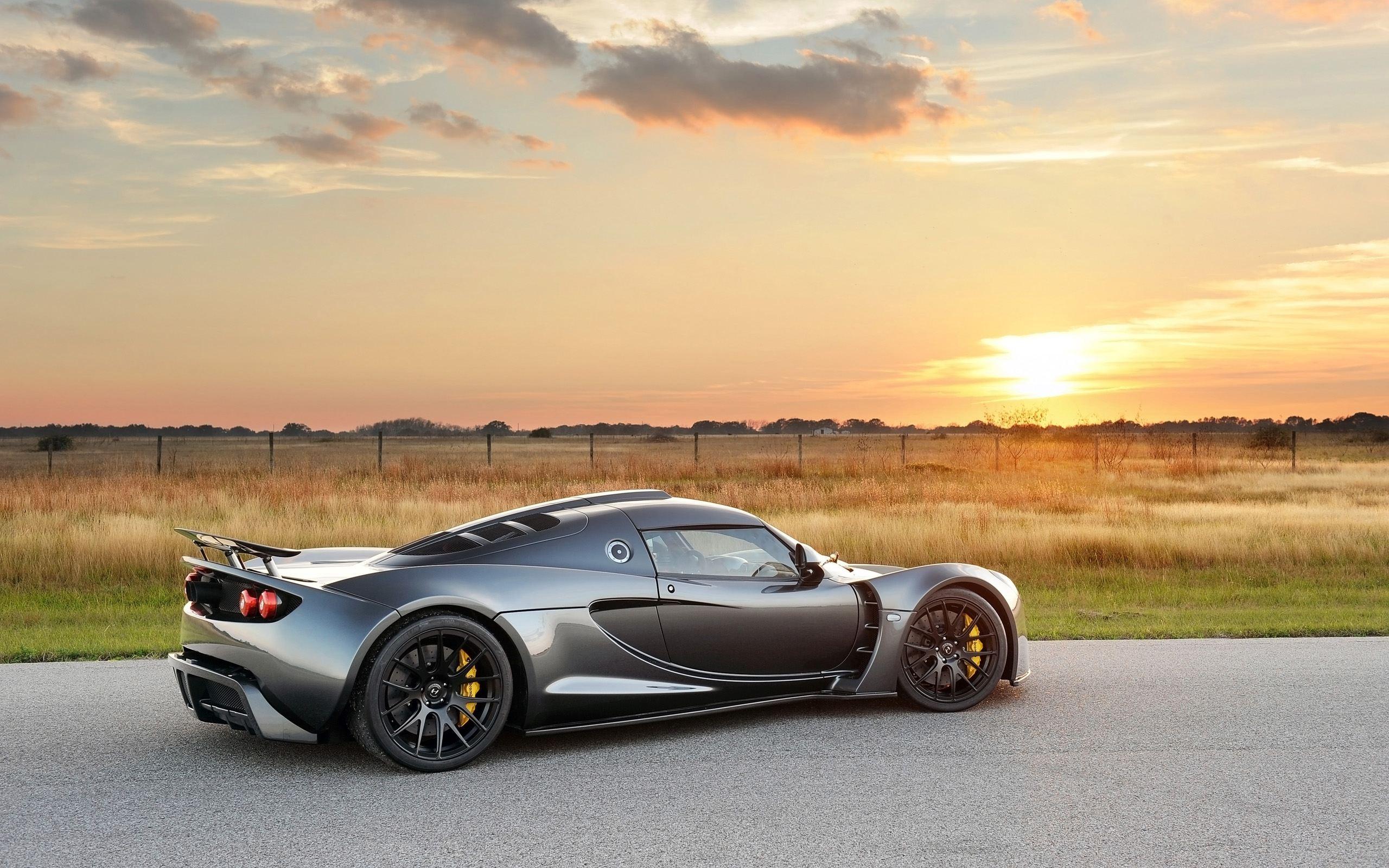 Hennessey-Venom-GT-Dark-Knight-Static-7-2560x1600