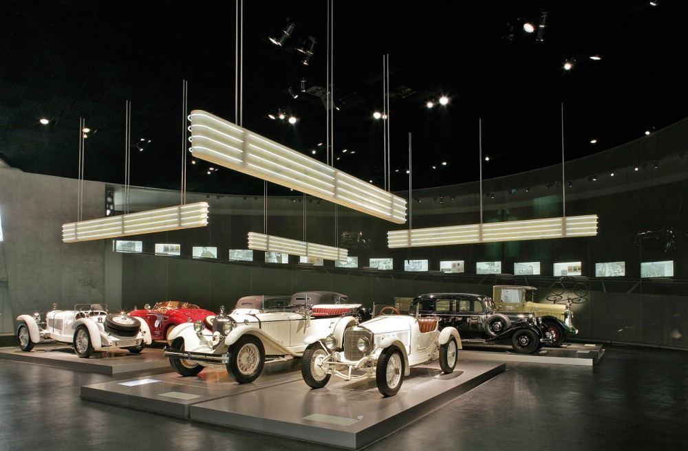 mercedes_benz_museum-2