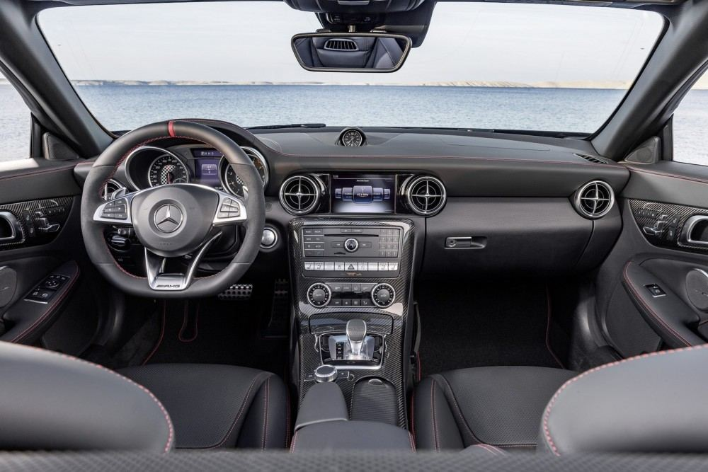 Mercedes-AMG SLC 43, Interieur, Leder Nappa exklusiv mit roter Ziernaht Mercedes-AMG SLC 43, interior, nappa leather with red topstiching