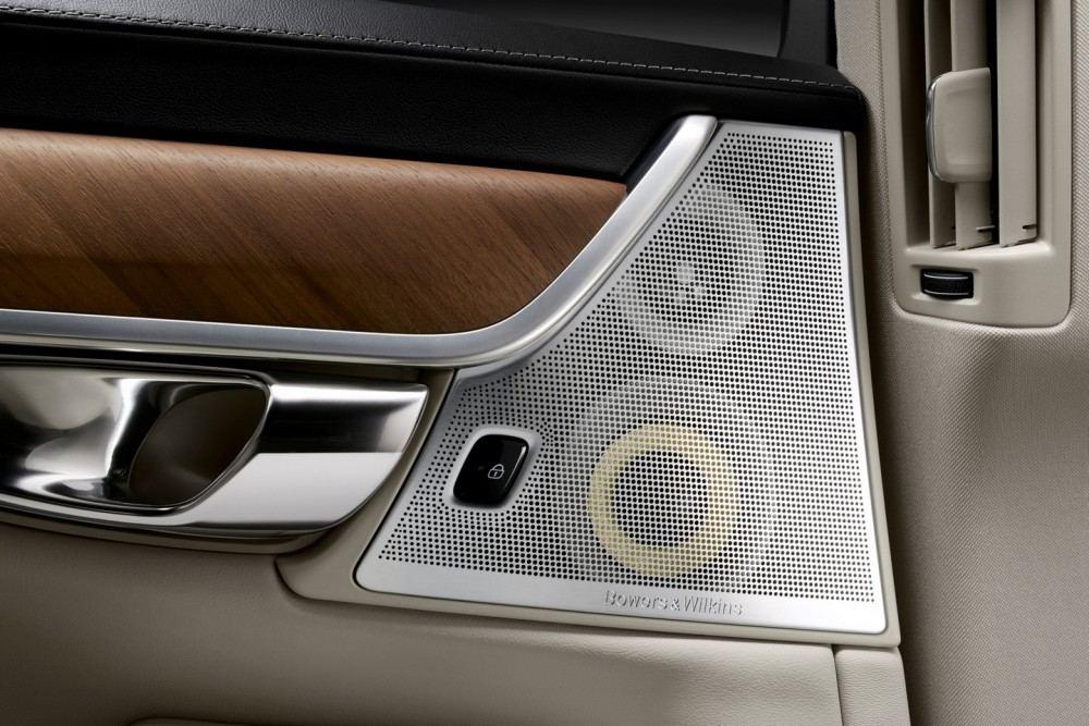 Interior Bowers and Wilkins Rear Door Speakers Volvo S90 1