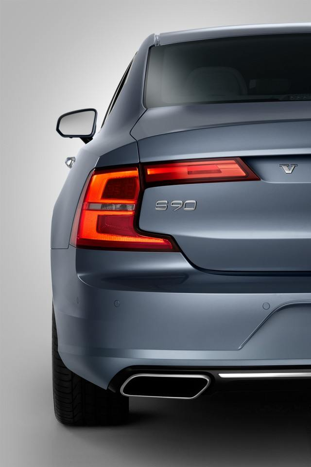 Detail Rear Light Volvo S90 Mussel Blue