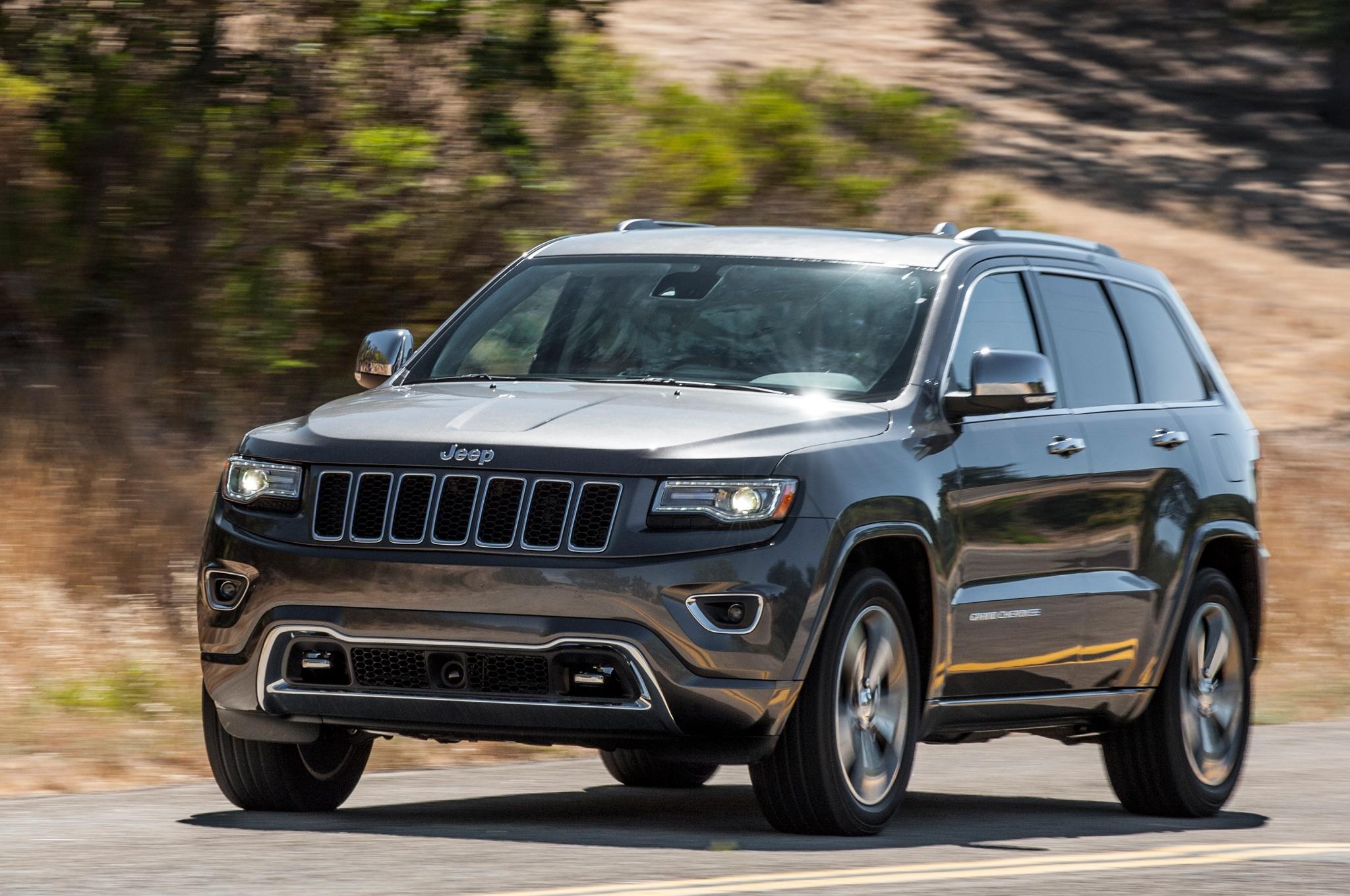 2015-Jeep-Grand-Cherokee-Altitude-Black-Wallpaper