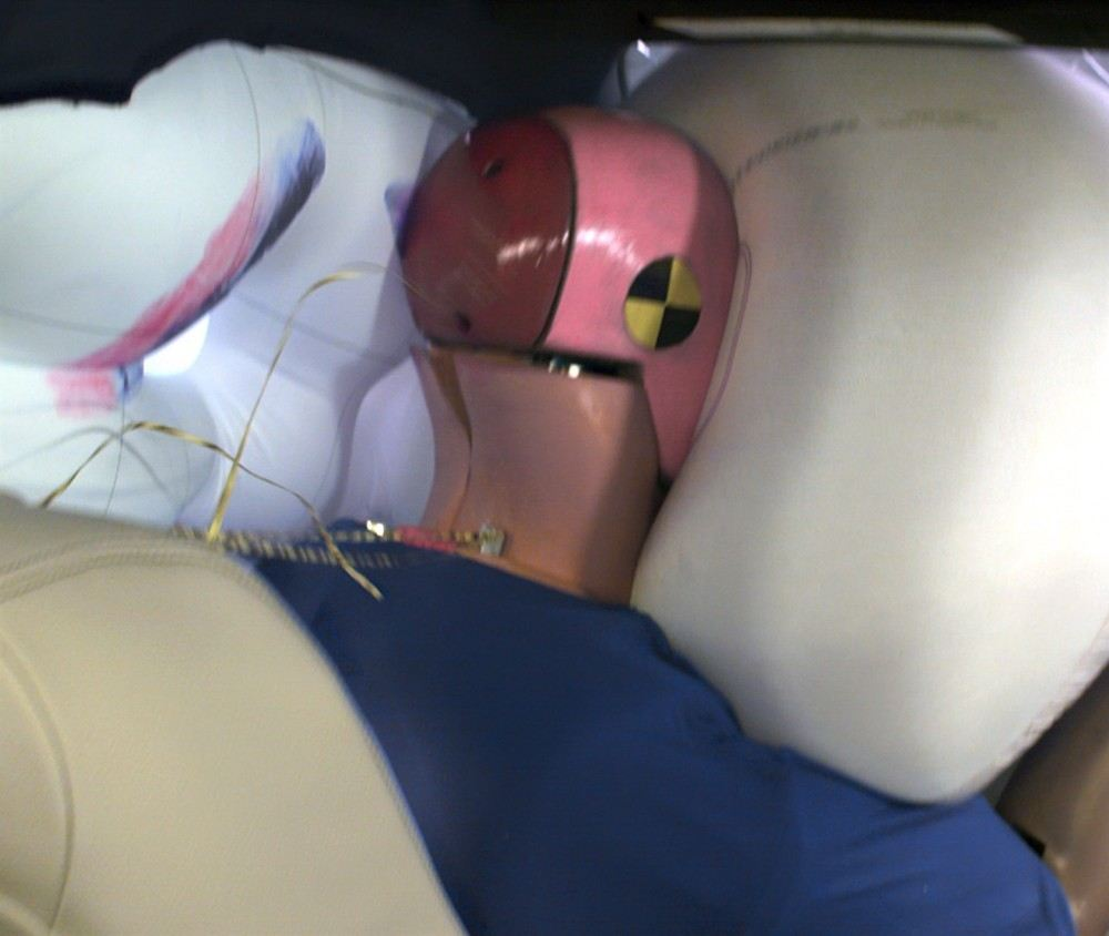 2016-BMW-3-Series-IIHS-small-overlap-front-test-airbag
