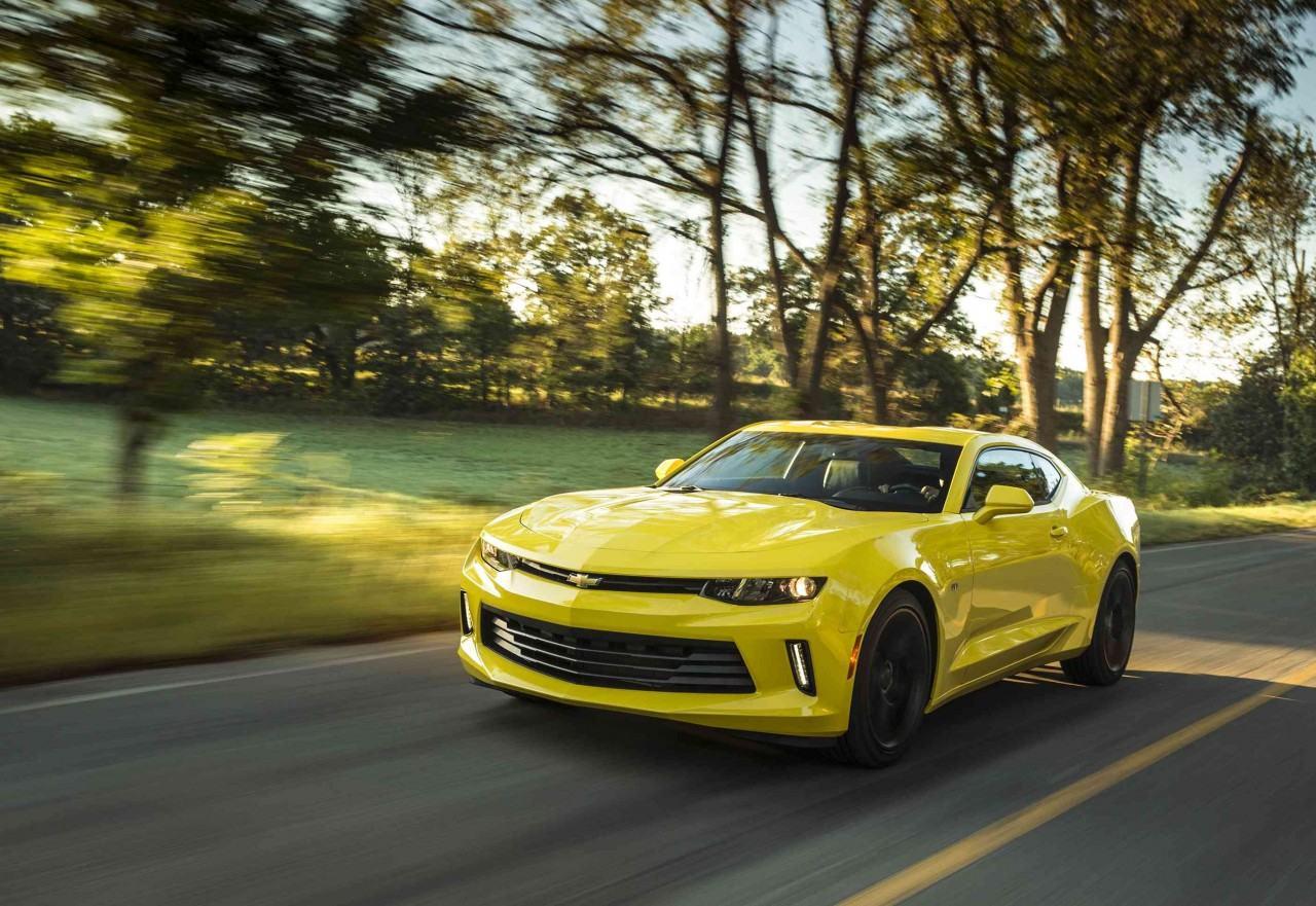 2016-Chevrolet-Camaro-040-e1442256490586