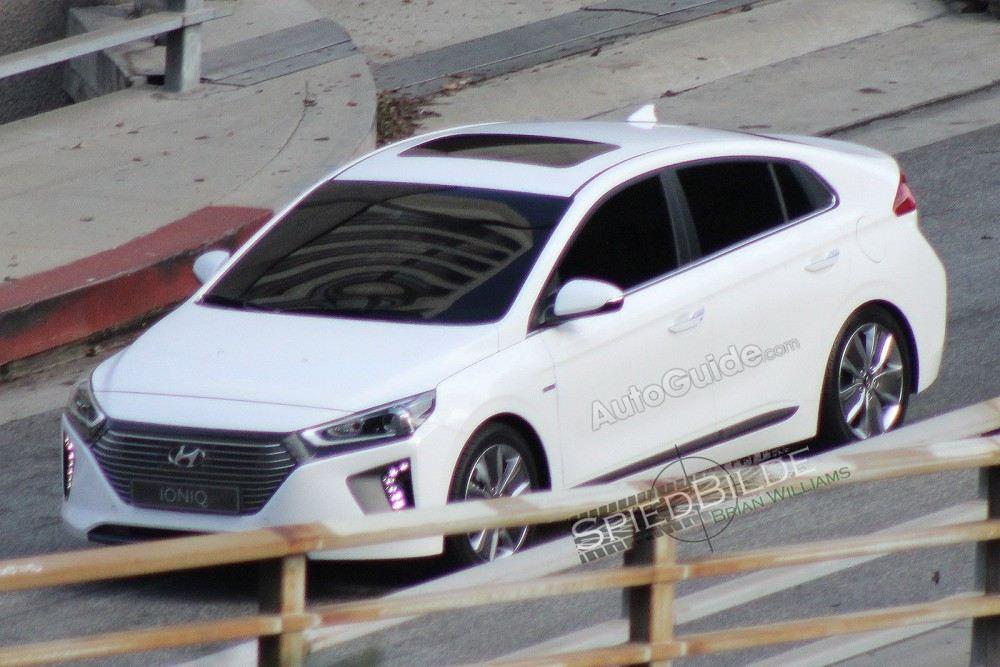 2017-Hyundai-Ioniq-