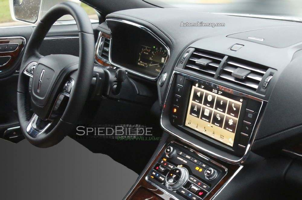 2017-lincoln-continental-spied-dashboard-close