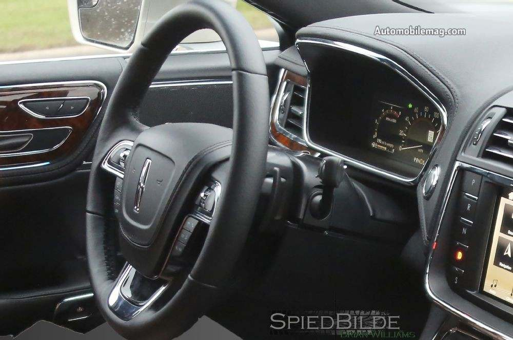 2017-lincoln-continental-spied-steering-wheel