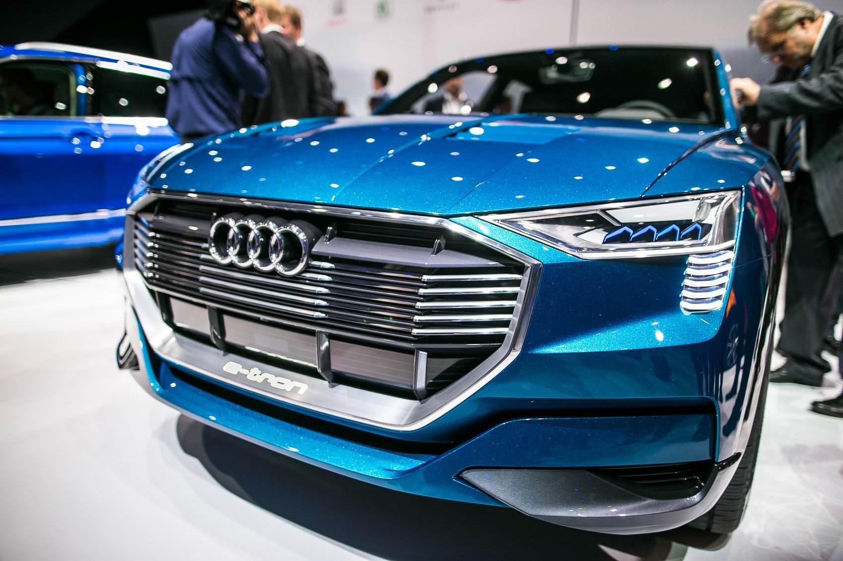 Audi-eTron-quattro-Concept-12