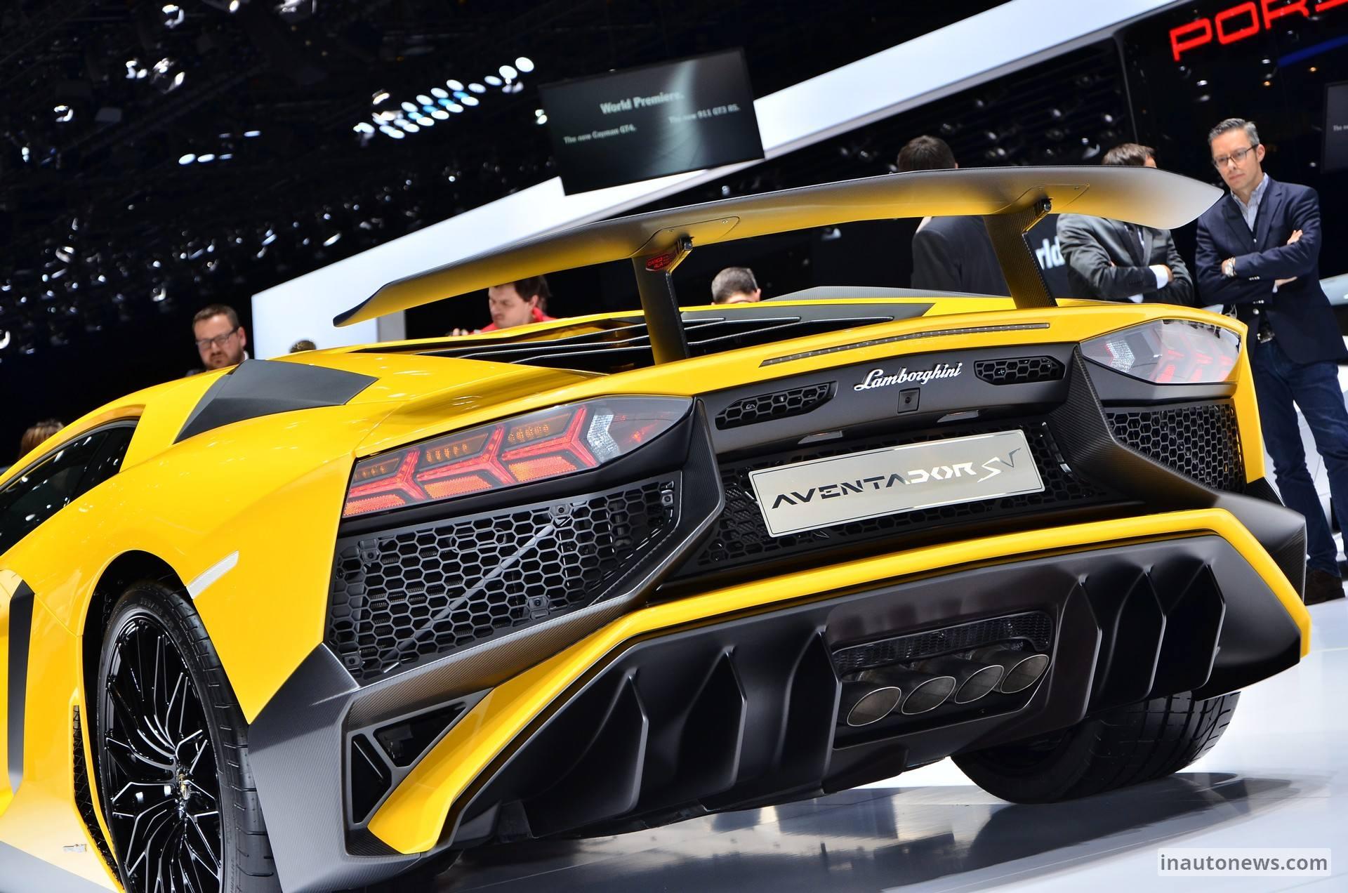 Lamborghini-Aventador-SV-Live-Geneva-2015-04