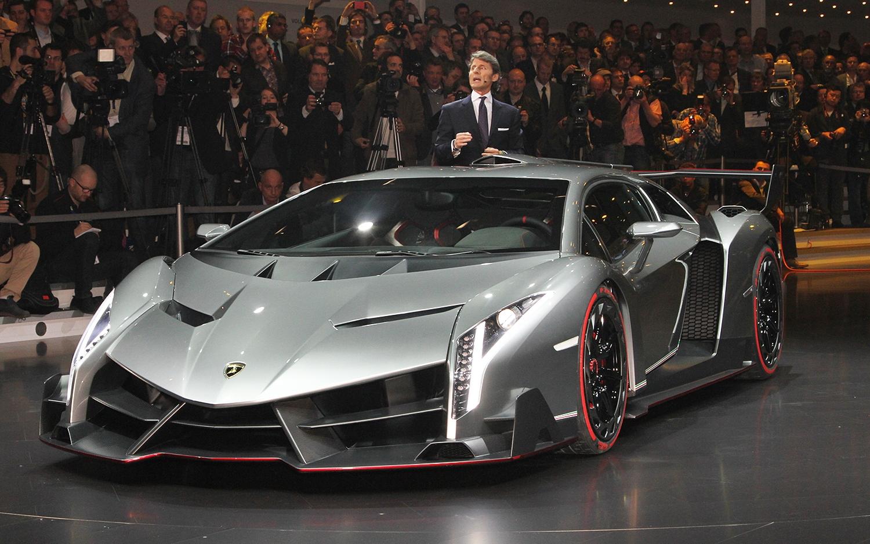 Lamborghini-Veneno-front-three-quarters