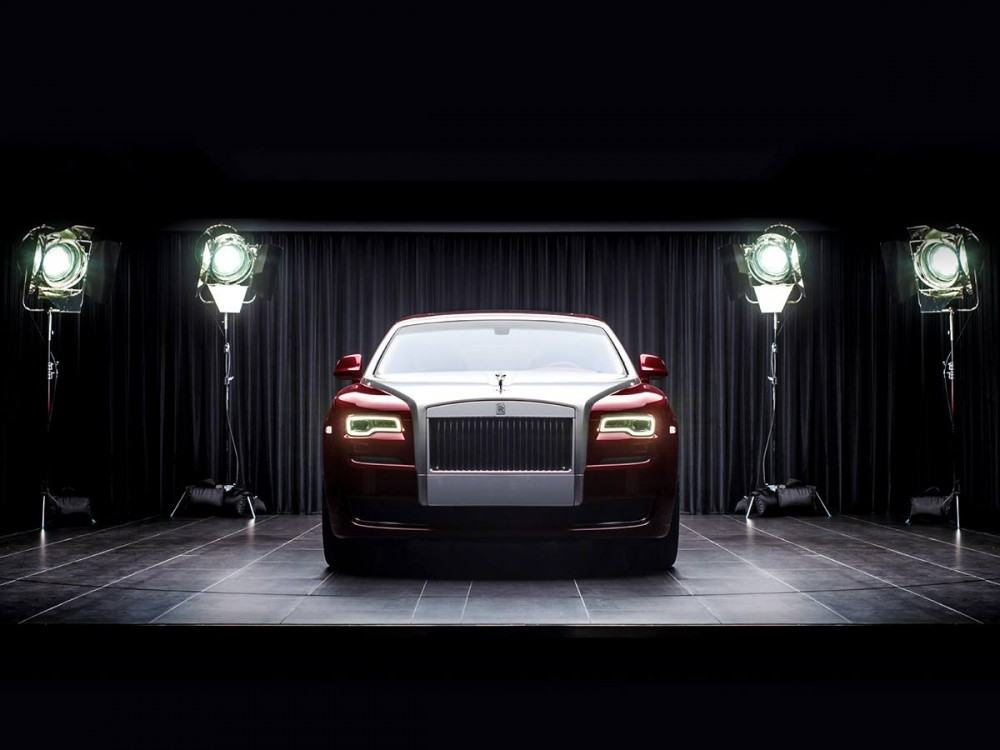 Rolls-Royce-Ghost-Red-Diamond-Edition-2