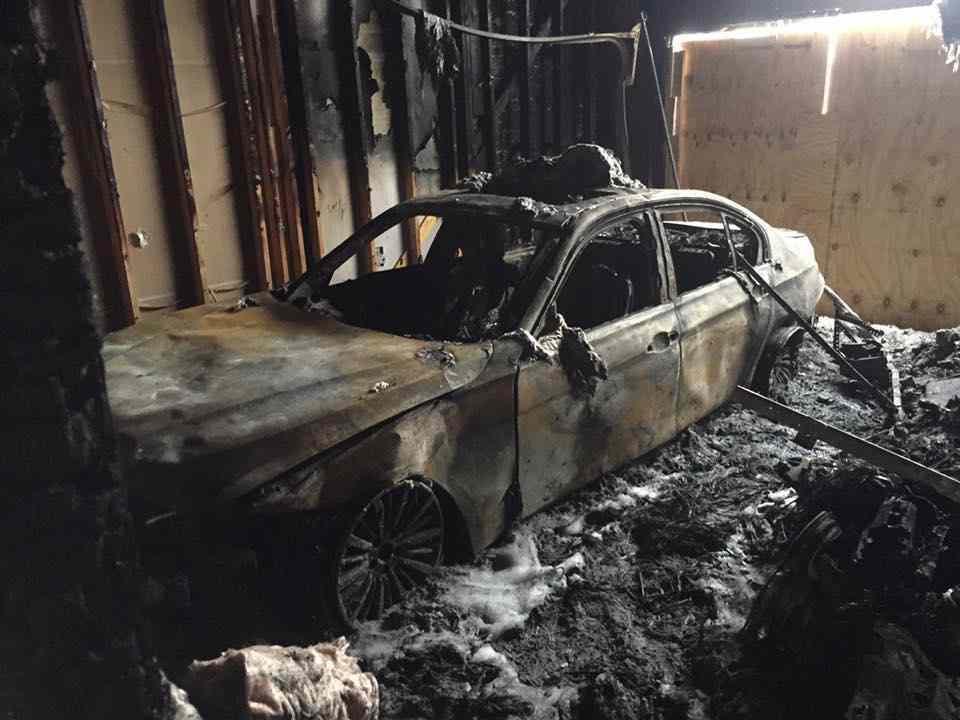 bmw-i3-melts-in-house-fire-3