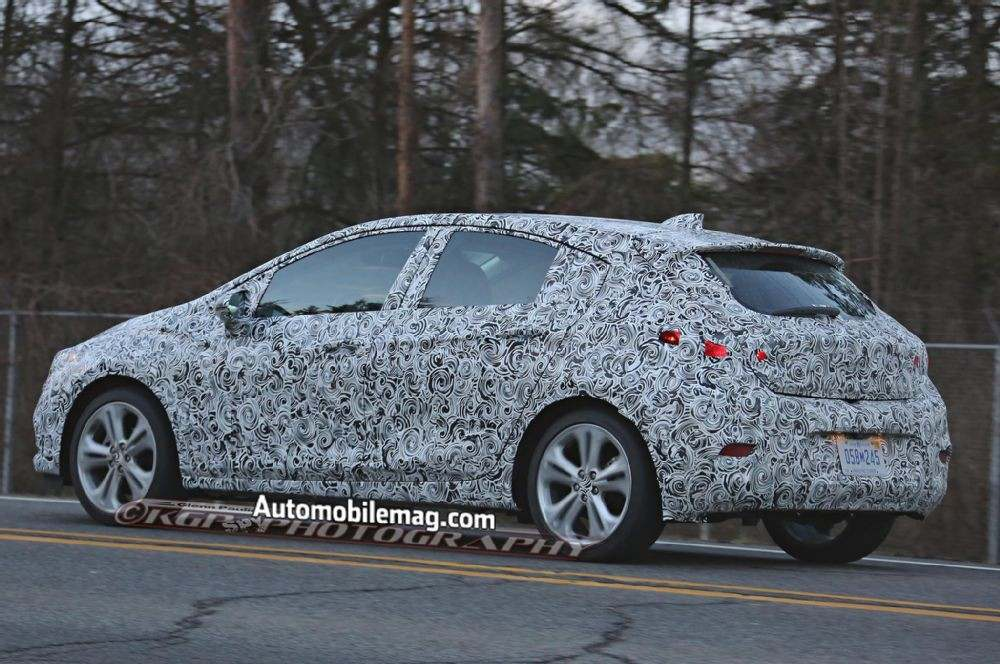 chevrolet-cruze-hatchback-spied-rear-three-quarter-1
