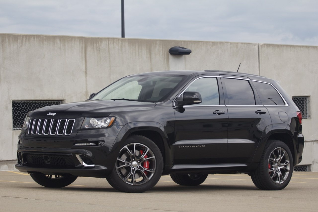 2012-jeep-grand-cherokee-srt8---01