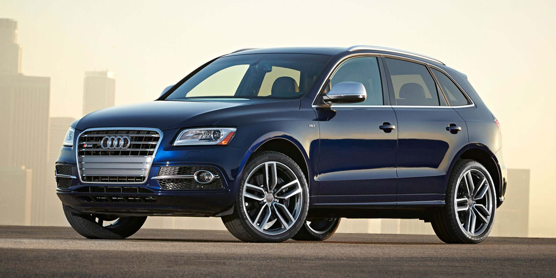 2015-Audi-SQ5-Wallpaper