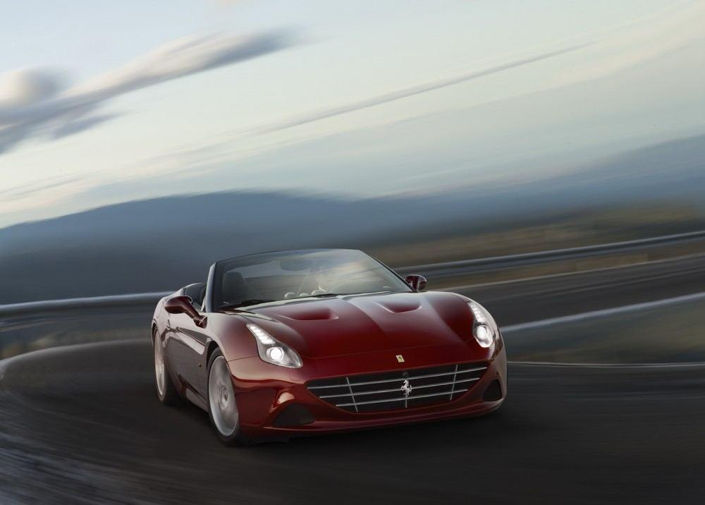 2016-FerrariCaliforniaT-HS-01