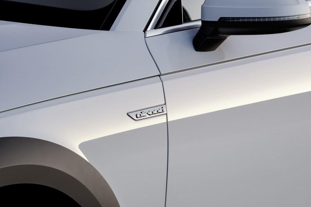 2017-Audi-A4-Allroad-40
