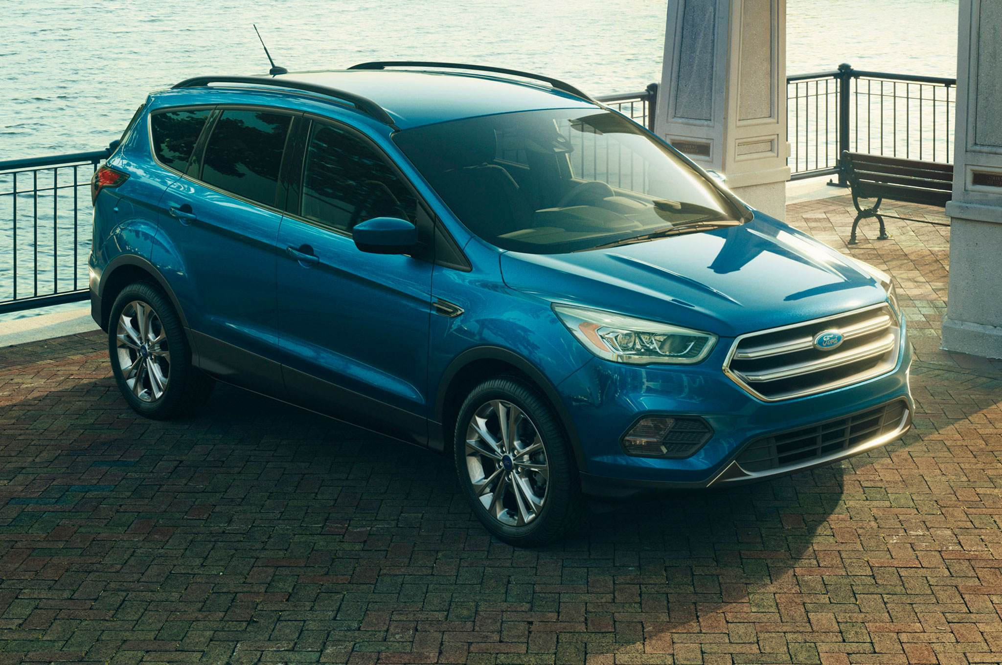 2017-Ford-Escape-Titanium-front-side-view-parked
