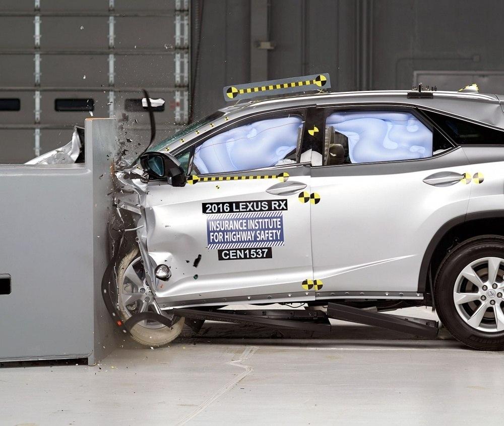 Lexus-RX-IIHS-1