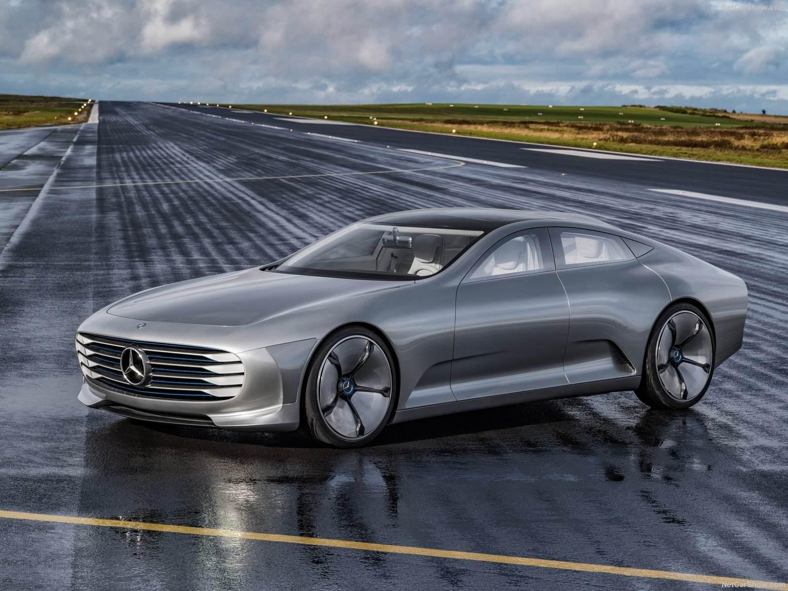 Mercedes-Benz-IAA_Concept_2015_1600x1200_wallpaper_01