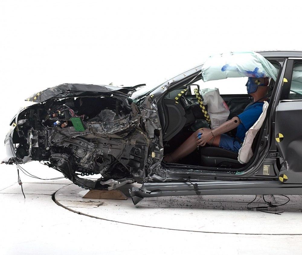 Nissan-Altima-IIHS-2