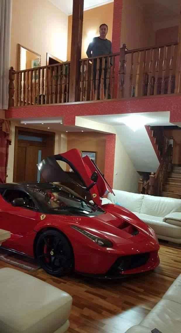 ferrari-laferrari-parked-living-room-2
