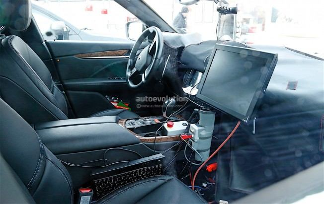maserati-levante-spy-shots-reveal-interior-of-the-trident-s-first-suv_1