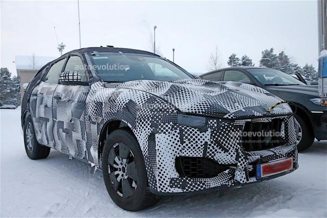 maserati-levante-spy-shots-reveal-interior-of-the-trident-s-first-suv_4