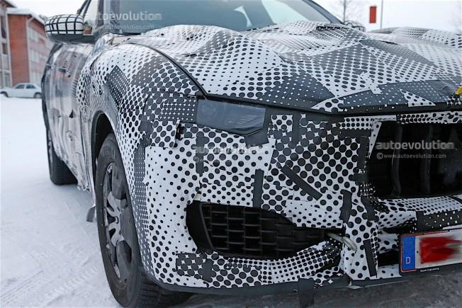 maserati-levante-spy-shots-reveal-interior-of-the-trident-s-first-suv_5