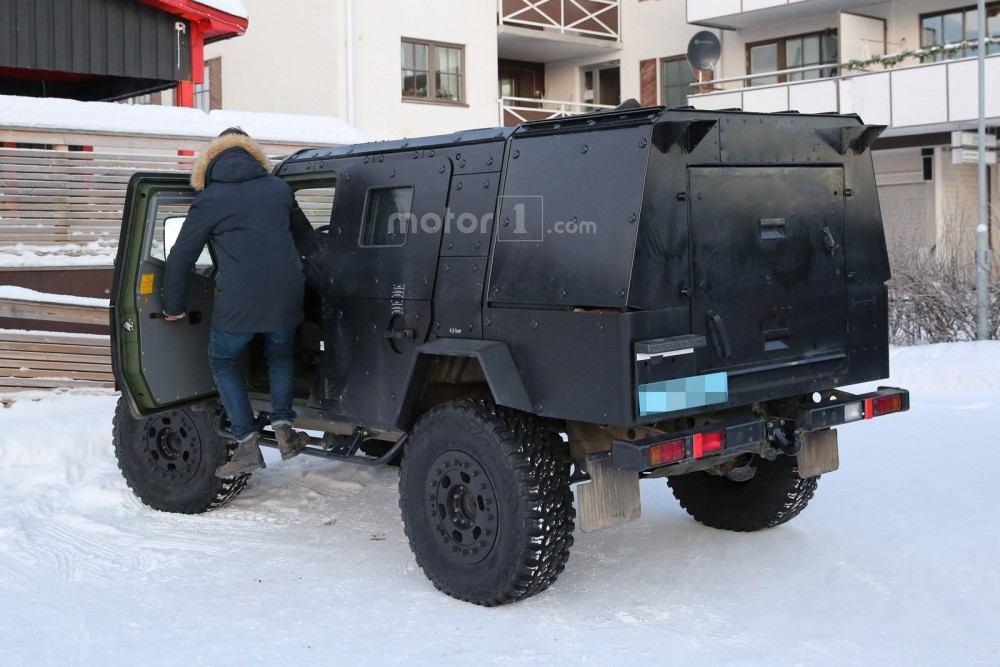 mercedes-g-class-armoured-12