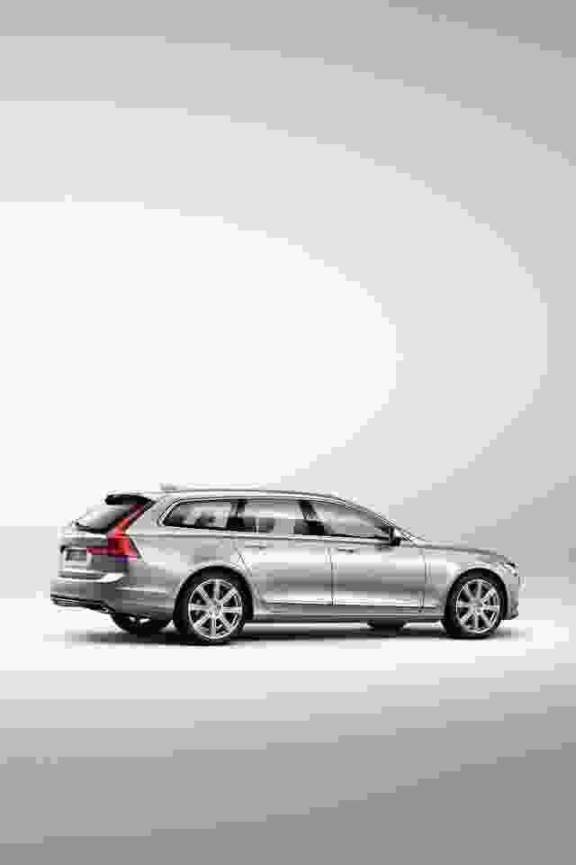 Volvo V90 Studio rear 7/8