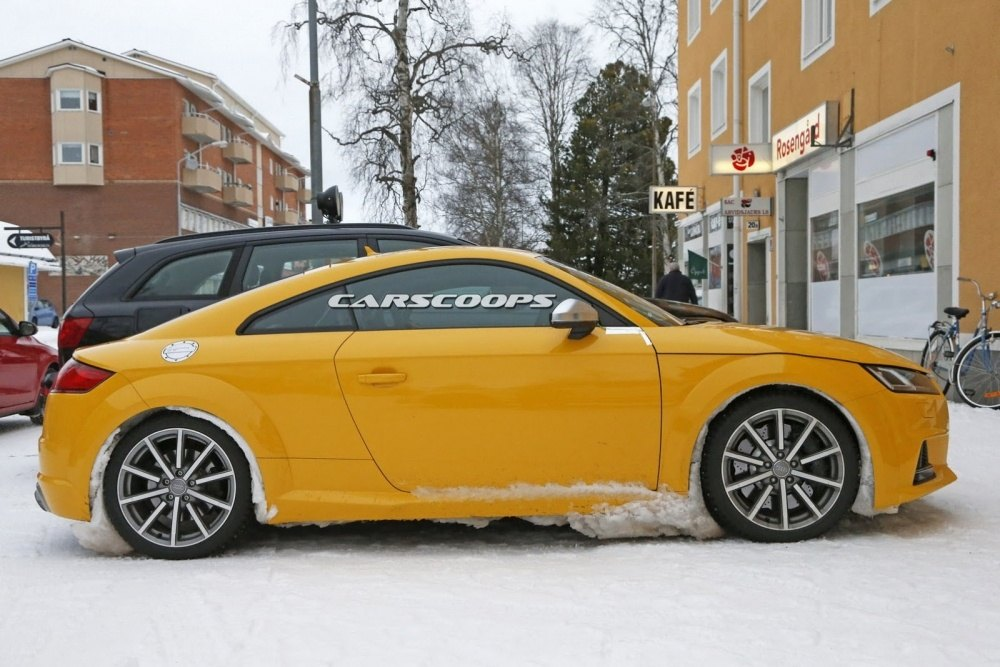 2017-Audi-TT-RS 4