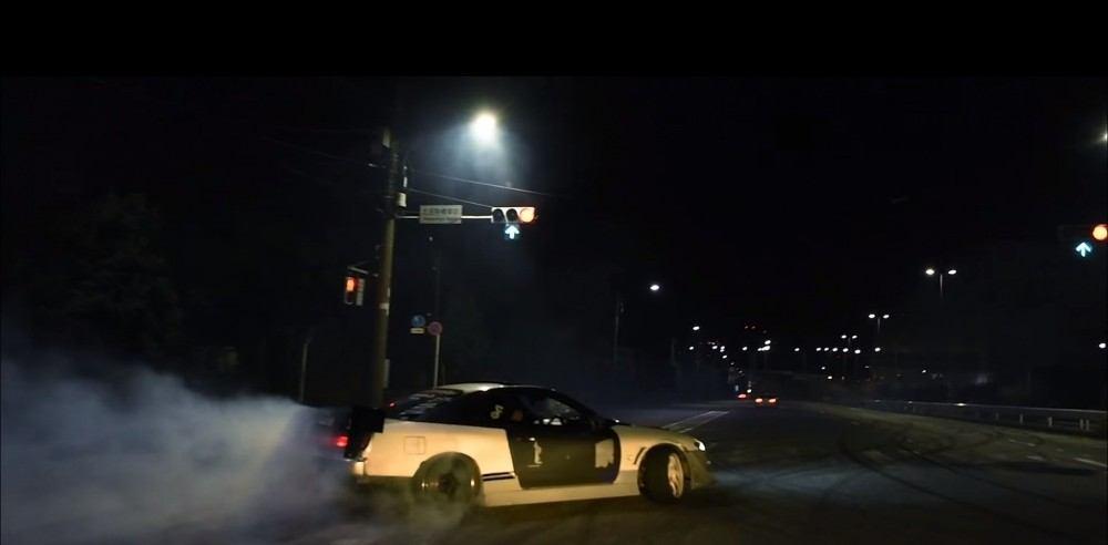 شاهد ماذا يحصل في شوارع اليابان بالليل