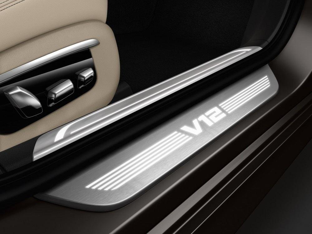 BMW-M760Li-xDrive-14-1000x751