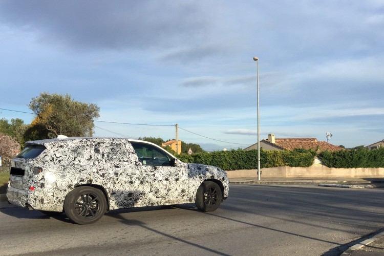 BMW-X7-spy-photos-750x500
