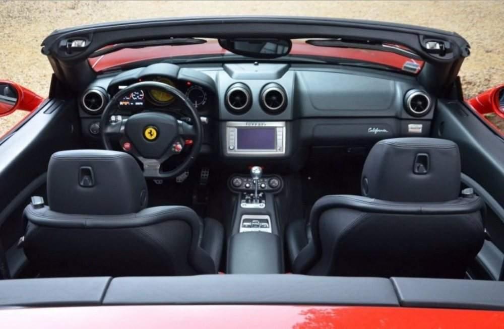 Ferrari-California-Manual-03