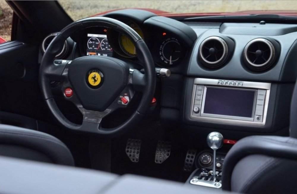 Ferrari-California-Manual-04