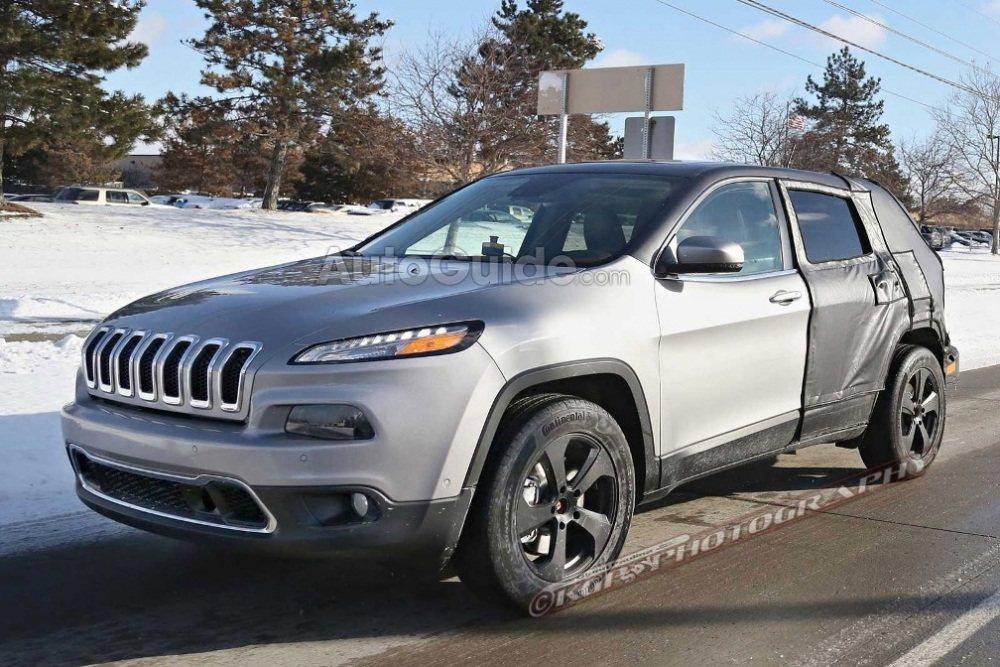 Jeep-Cherokee-Mule-Spy-Shot-Front-01