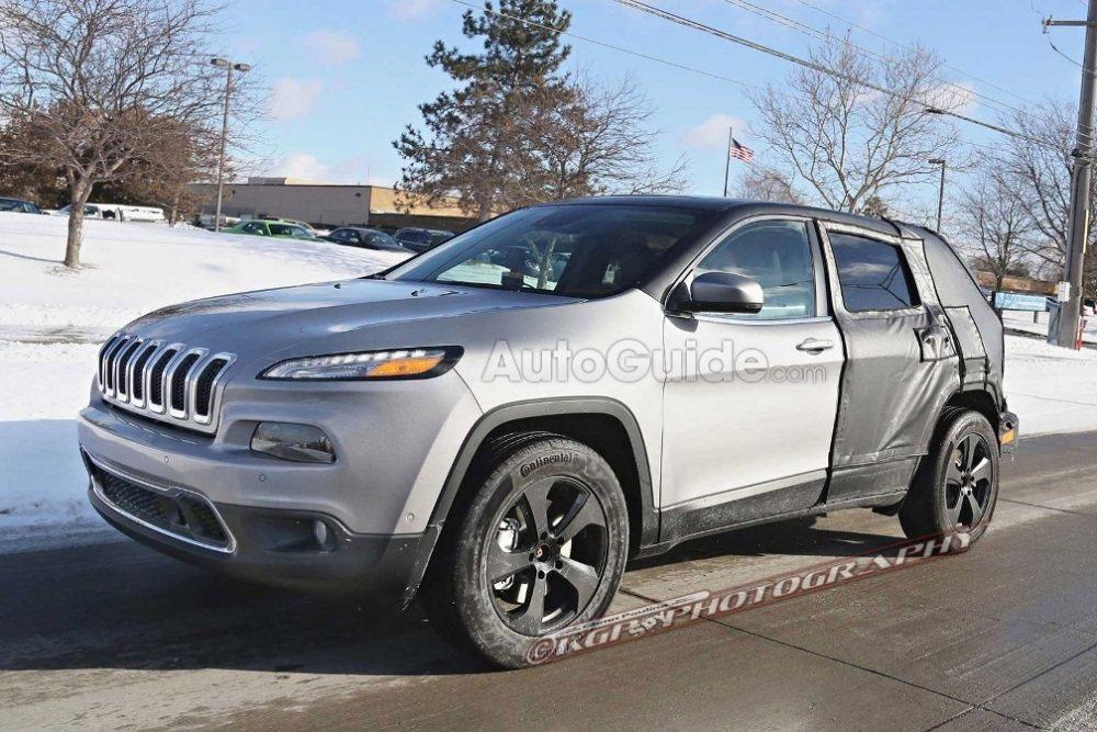 Jeep-Cherokee-Mule-Spy-Shot-Front-02